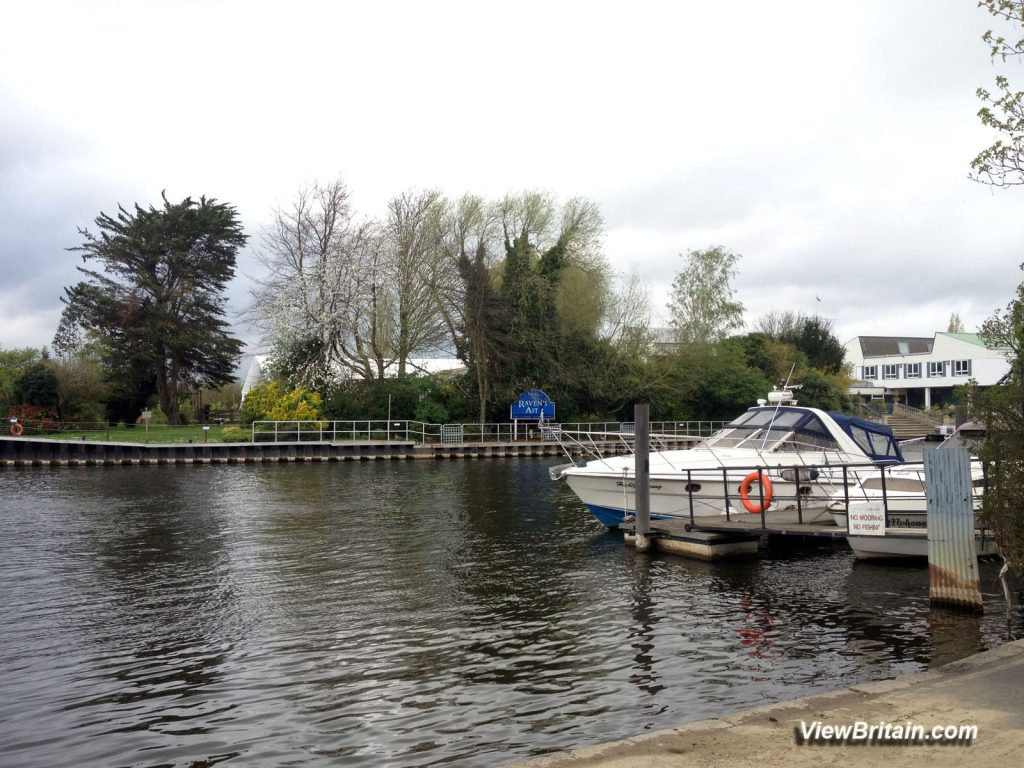 Ravens-Ait-Kingston-Surrey-UK