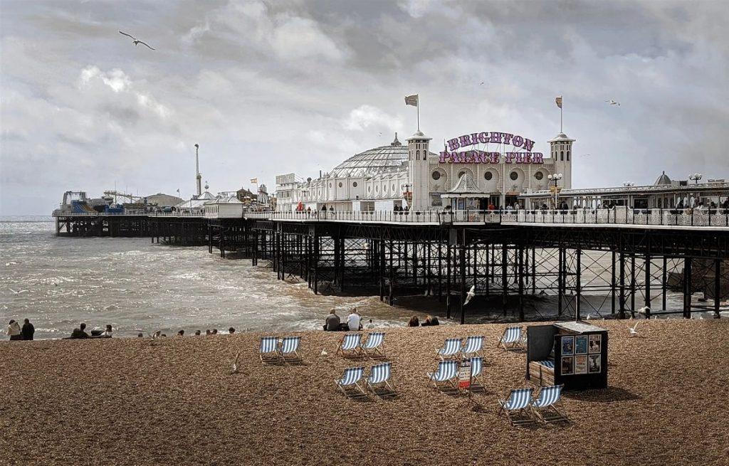 brighton-pier-on-a-sunny-day