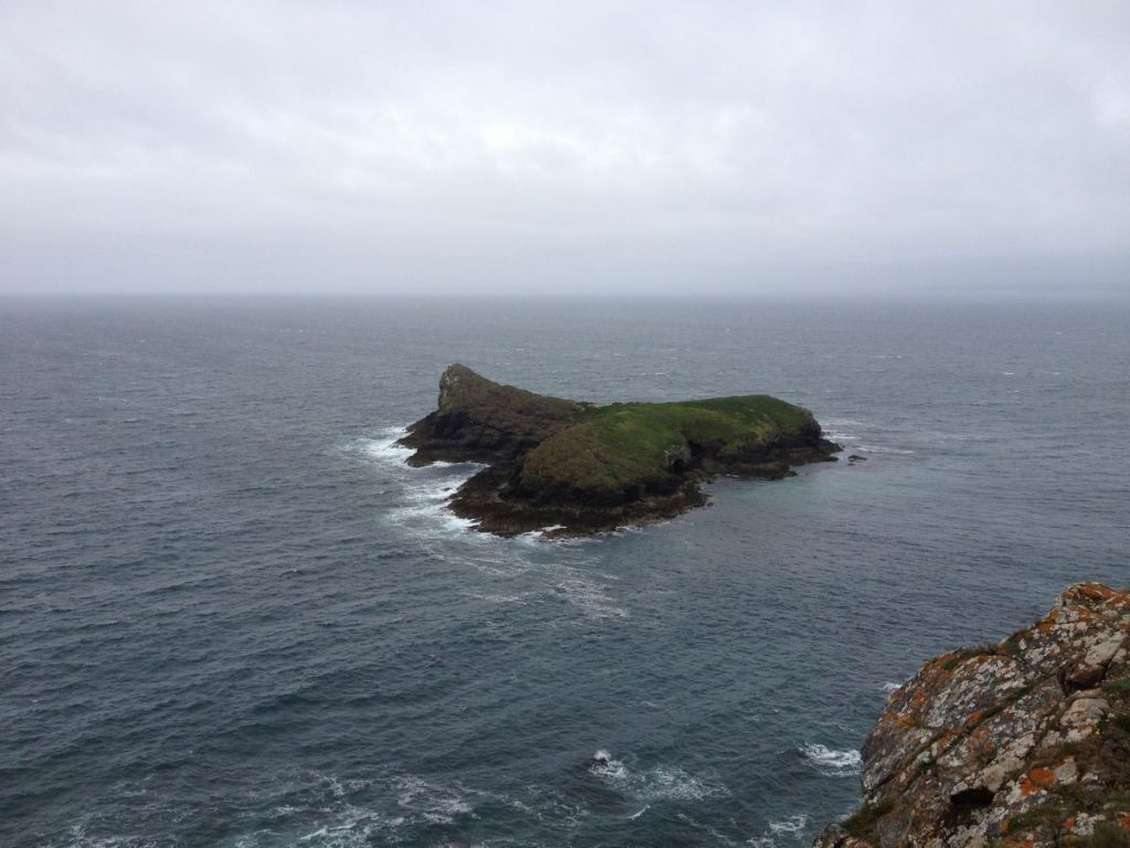 mullion-island-mullion-cove-lizard-peninsula