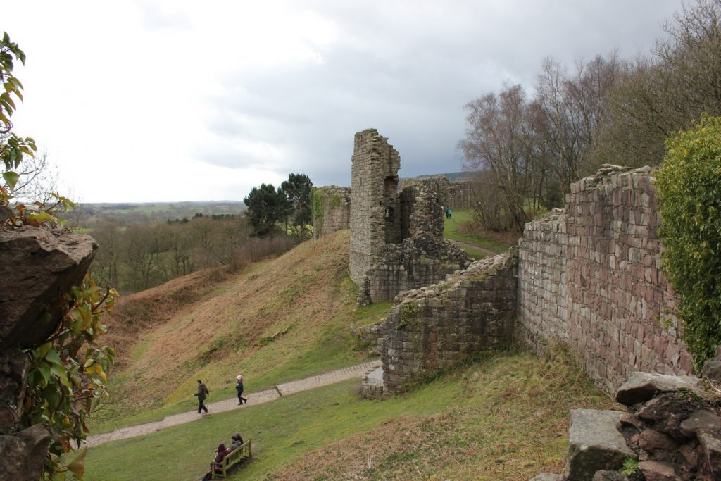 outer-ward-approach-at-beeston-castle